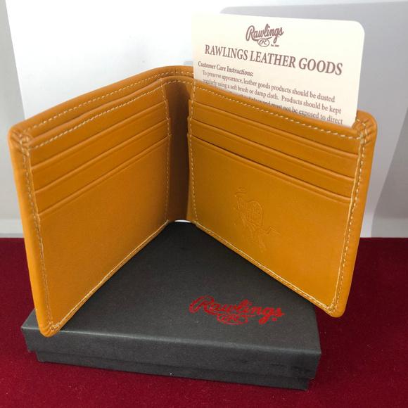 Rawlings Other - Rawlings Heart of the Hide Tan Wallet Billfold